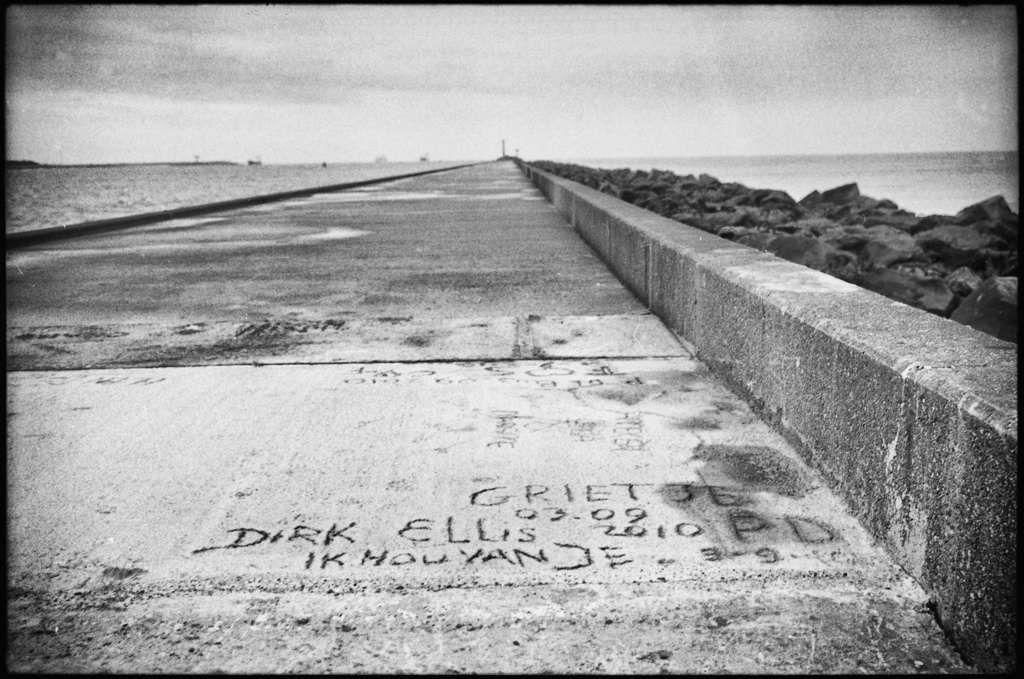 A declaration of love written in concrete. Hoek van Holland, 2010.
