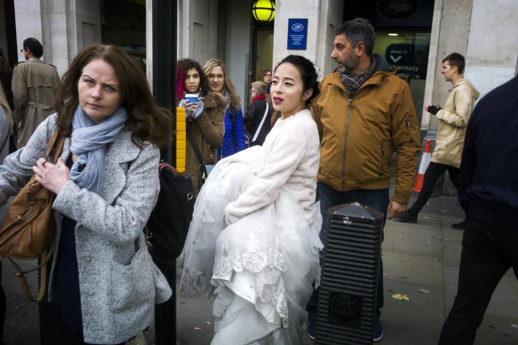 Lost bride, Queens walk, Queen's Walk London, October 20 2016